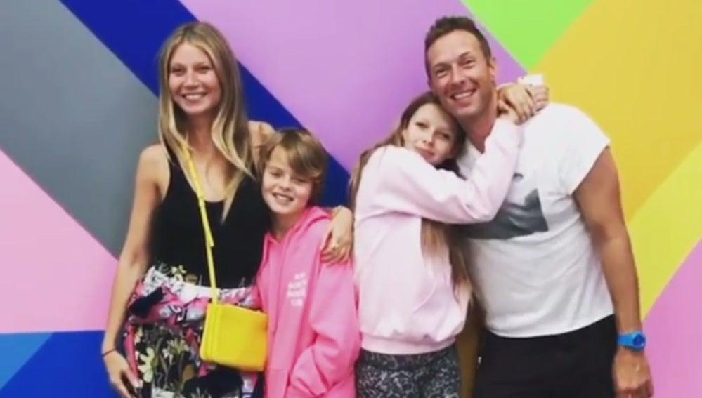 Gwyneth Paltrow junto con Chris Martin y sus dos hijos