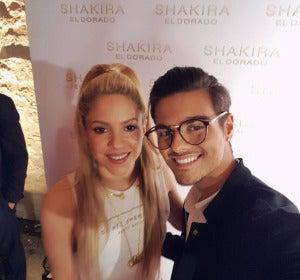 Abraham Mateo posa con Shakira y es idéntico a Maluma