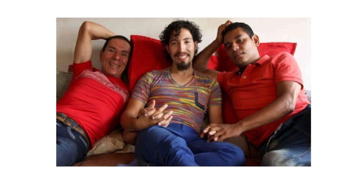 Colombia autoriza el primer matrimonio a tres