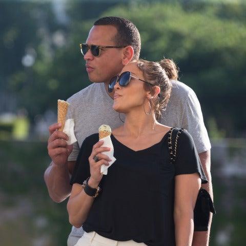 Jennifer López vive su amor con su novio, Alex Rodiguez, en París