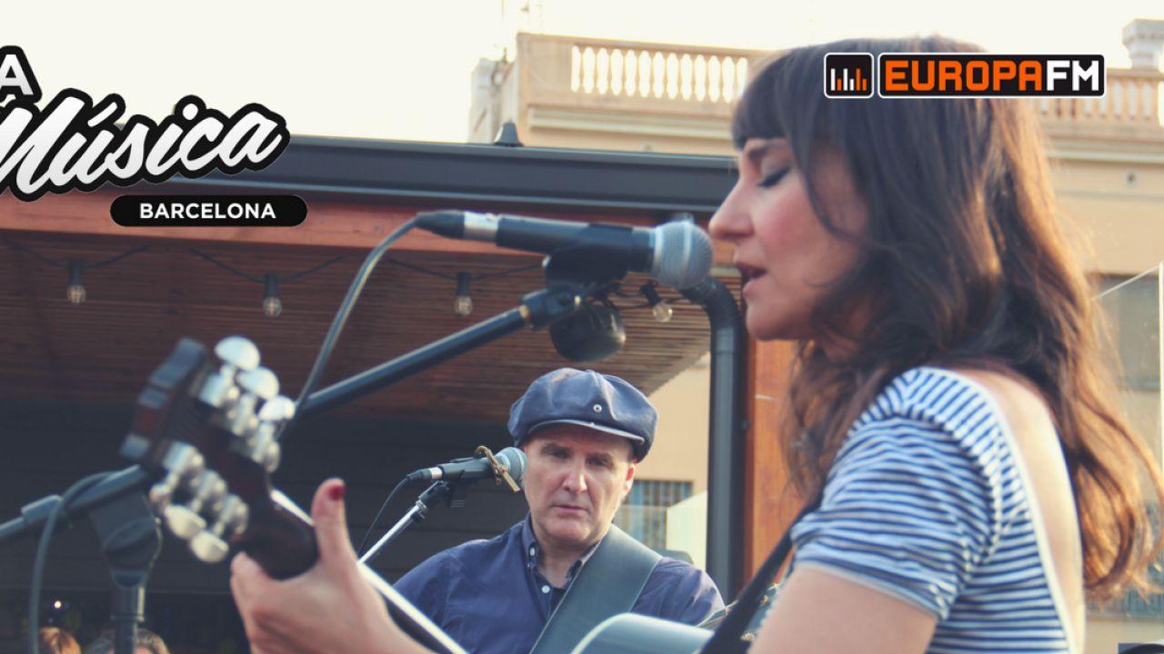 Amaral Desnuda celebra el día de la música con europa fm: amaral, brian