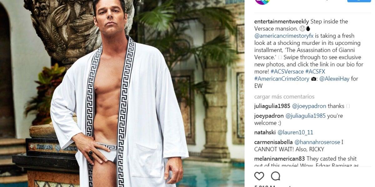 Ricky Martin caracterizado como el novio de Versace