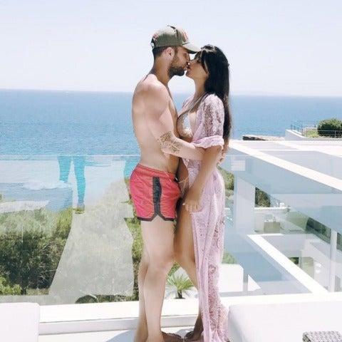 Desc Fàbregas junto a su mujer Daniella