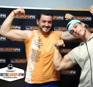 Juanma Romero cumple con el #retoEuropaFM y cambia hábitos con la ayuda de Ernest The Fitness Boy