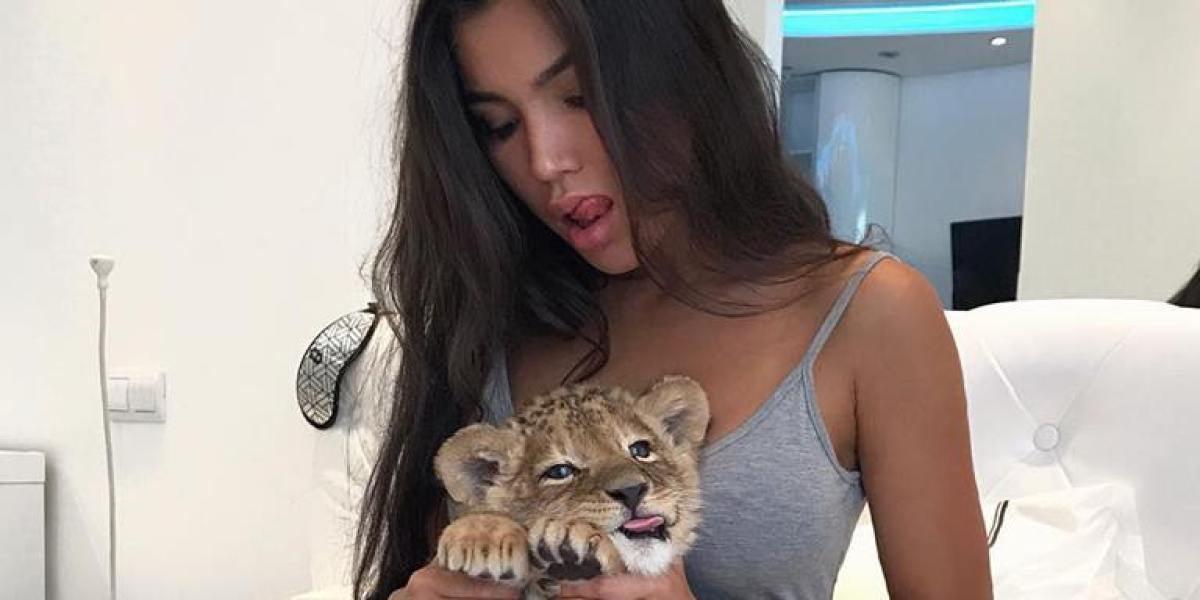 Sveta Bilyalova con su león