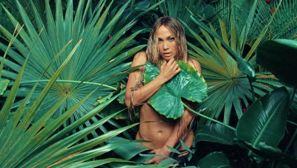 Jennifer Lopez en el vídeo de 'Ni Tú Ni Yo' con Gente de Zona
