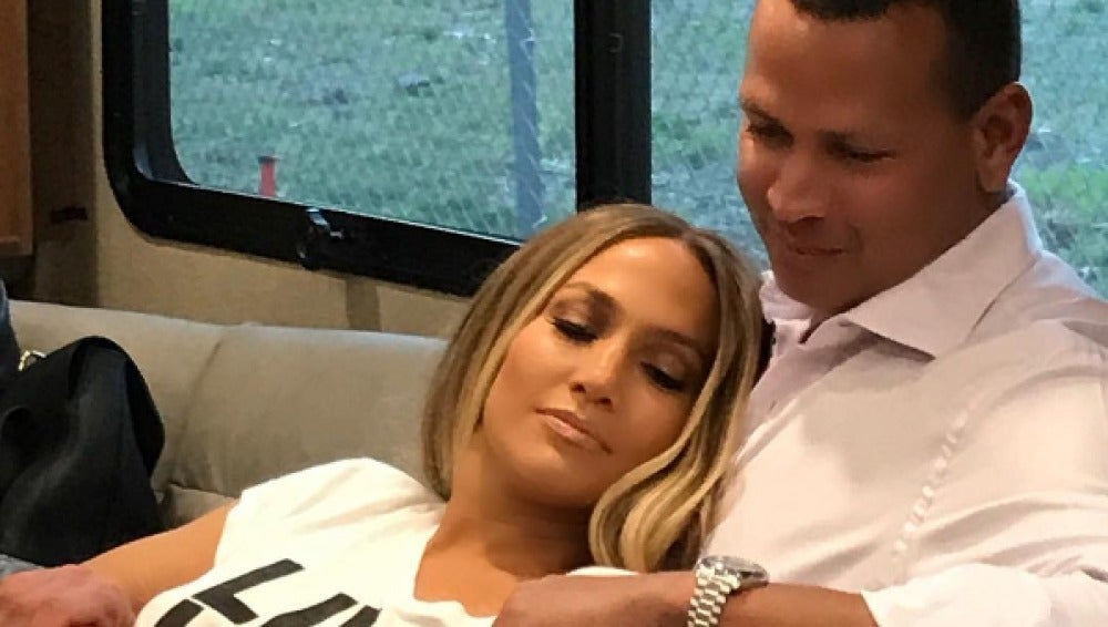 Jennifer Lopez disfruta de sus vacaciones junto a Álex Rodríguez