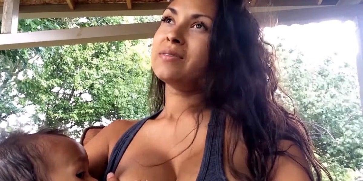 Tasha en el vídeo donde admitió dar el pecho mientras tenía sexo
