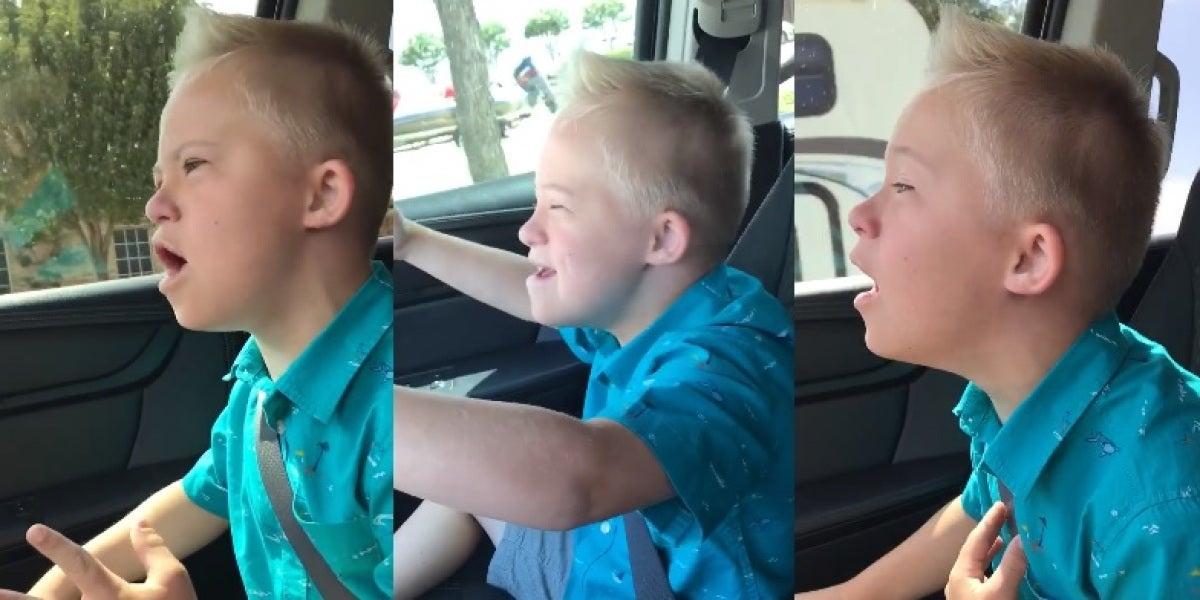 Un niño con síndrome de Down canta 'I Have Nothing' de Whitney Houston