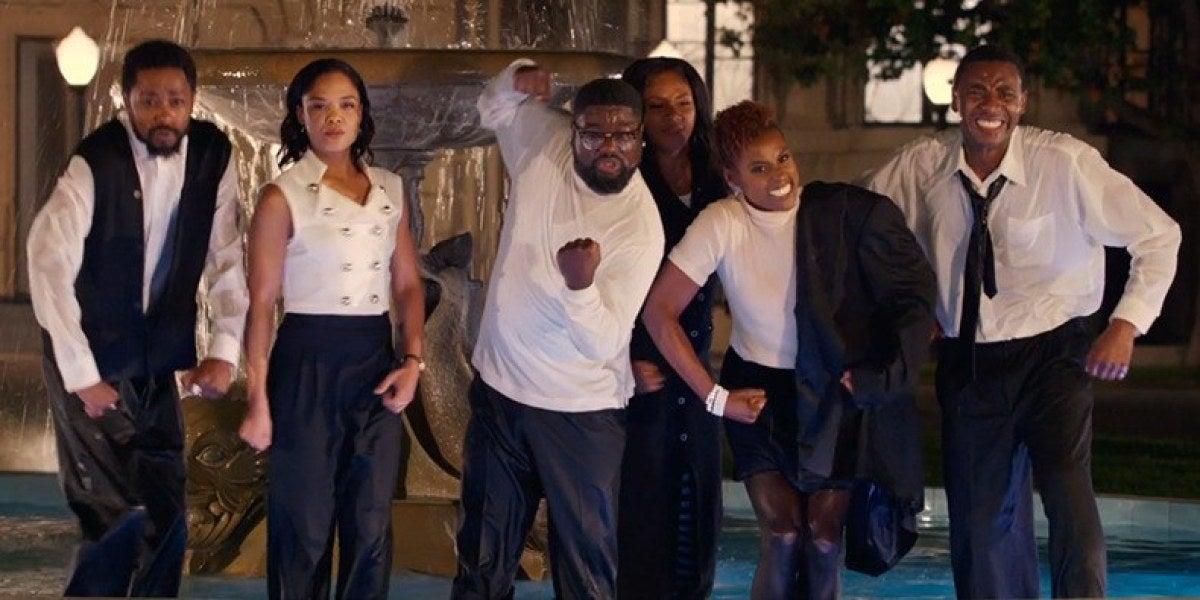 Jay Z recrea un capítulo de 'Friends' para el videoclip de 'Moonlight'