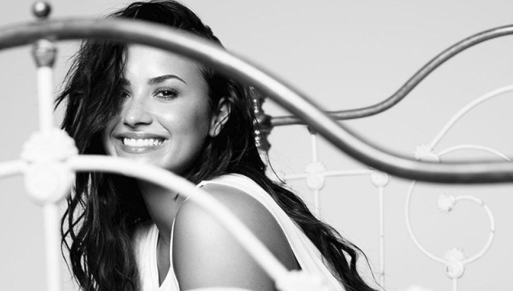 Demi Lovato lanza su nuevo single 'Tell Me You Love Me'