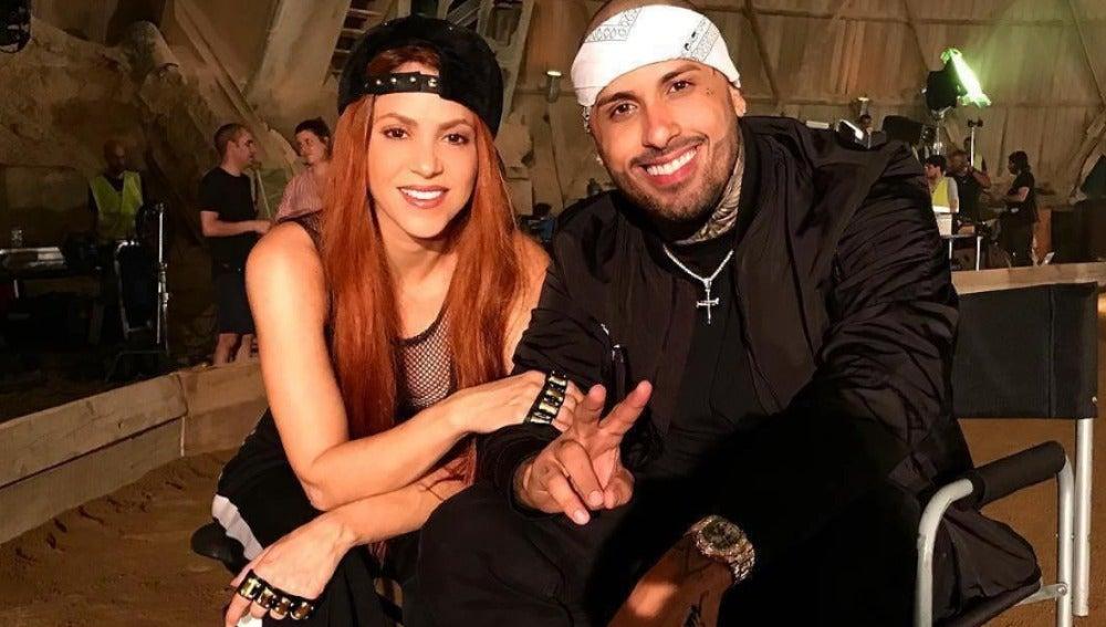 Shakira y Nicky Jam durante el rodaje del videoclip de 'Perro Fiel'