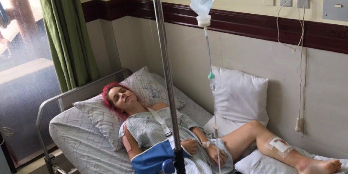 Amarna Miller tiene un accidente de moto en Filipinas