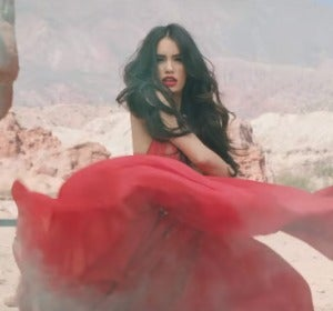 Lali Espósito se apodera de Buenos Aires en el vídeo de 'Una Na'
