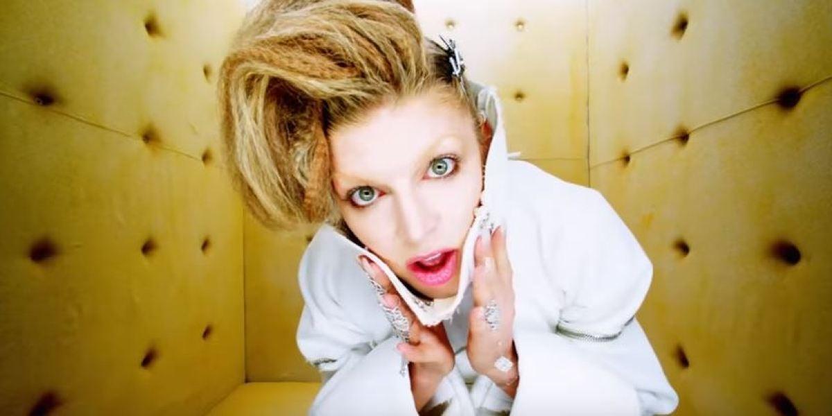 Fergie, prisionera de sus propios demonios en el videoclip