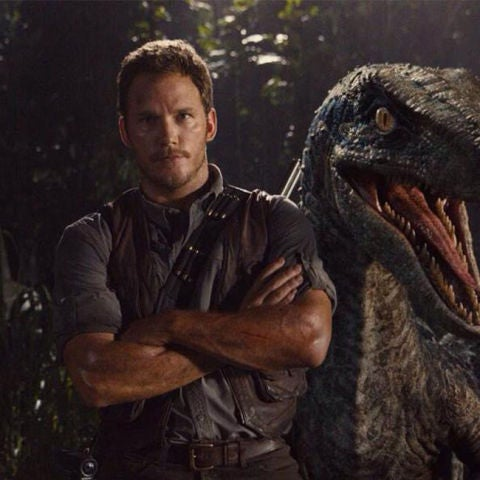 Chris Pratt en un cartel promocional de 'Jurassic World'