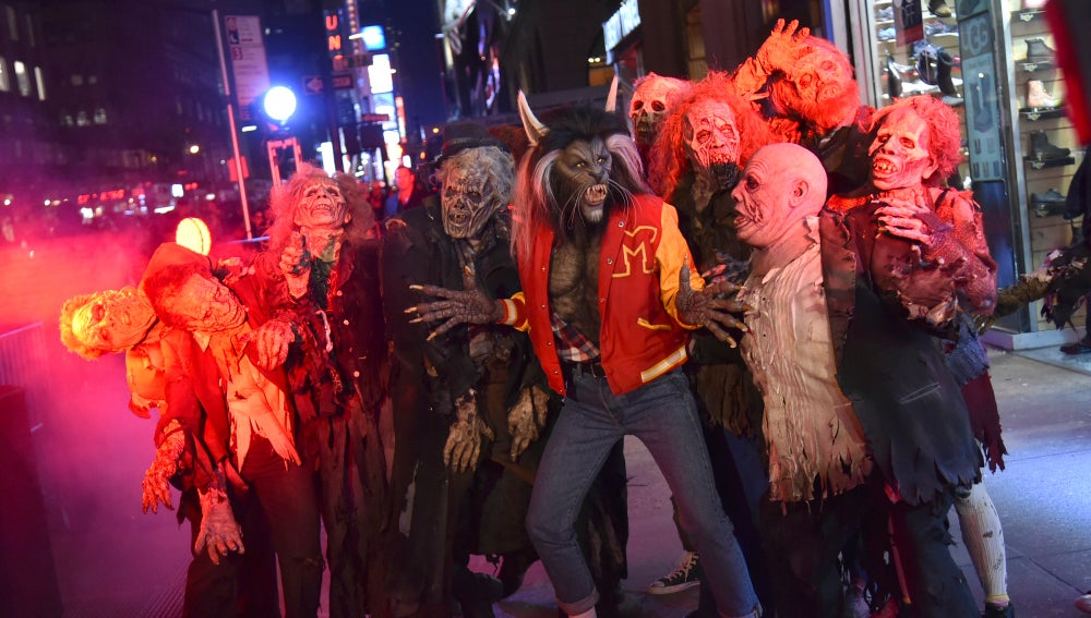Heidi Klum durante la performance de 'Thriller'