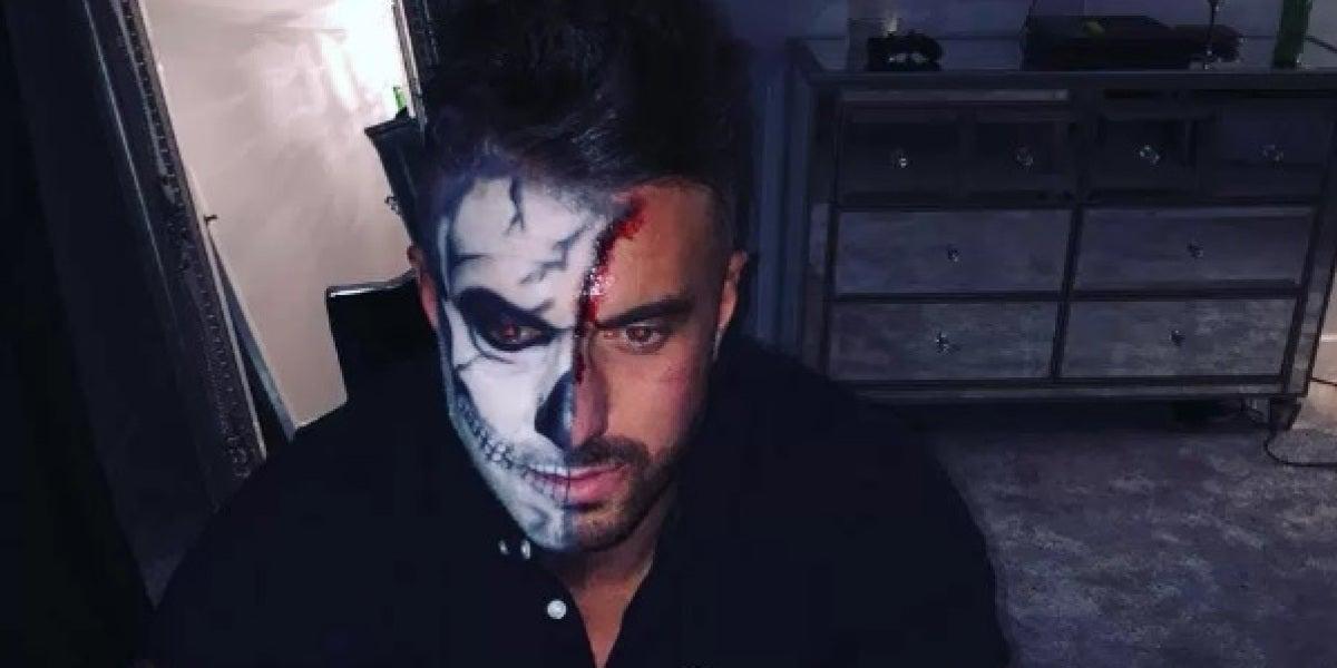 Marc Campfield con la cara pintada por Halloween
