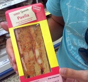 Sandwich de paella con chorizo
