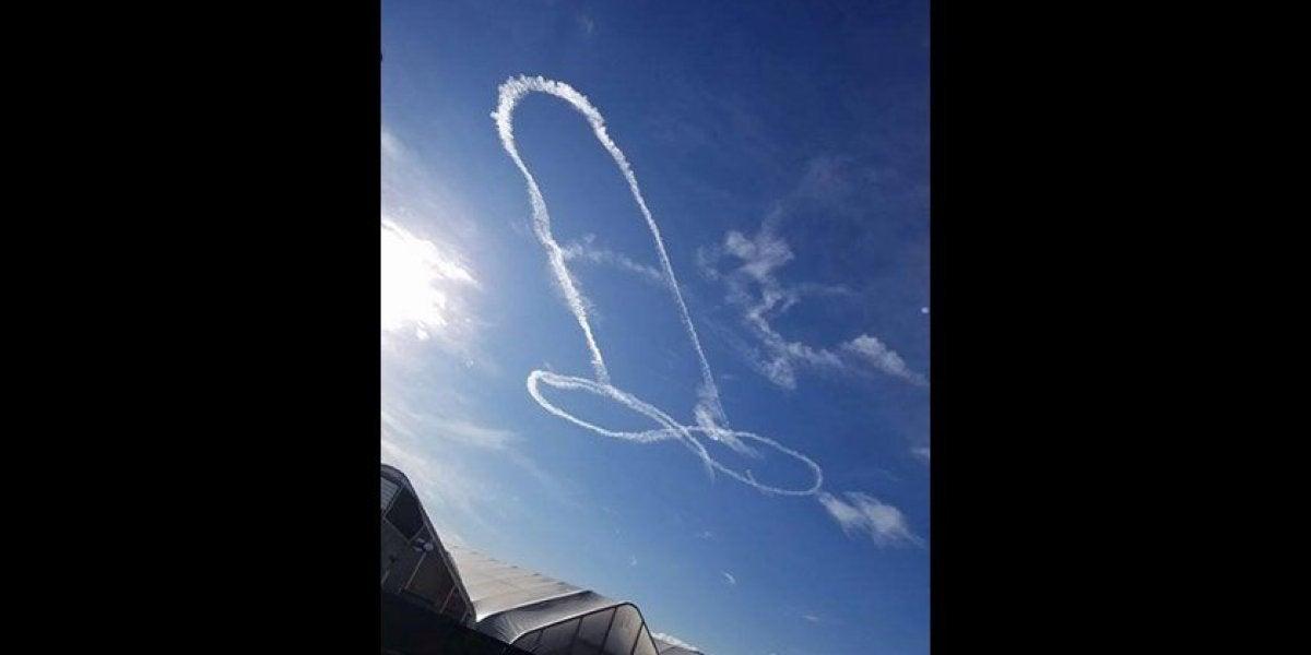 Un piloto dibuja un descomunal pene en el despejado cielo de Washington