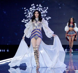 La modelo Ming Xi