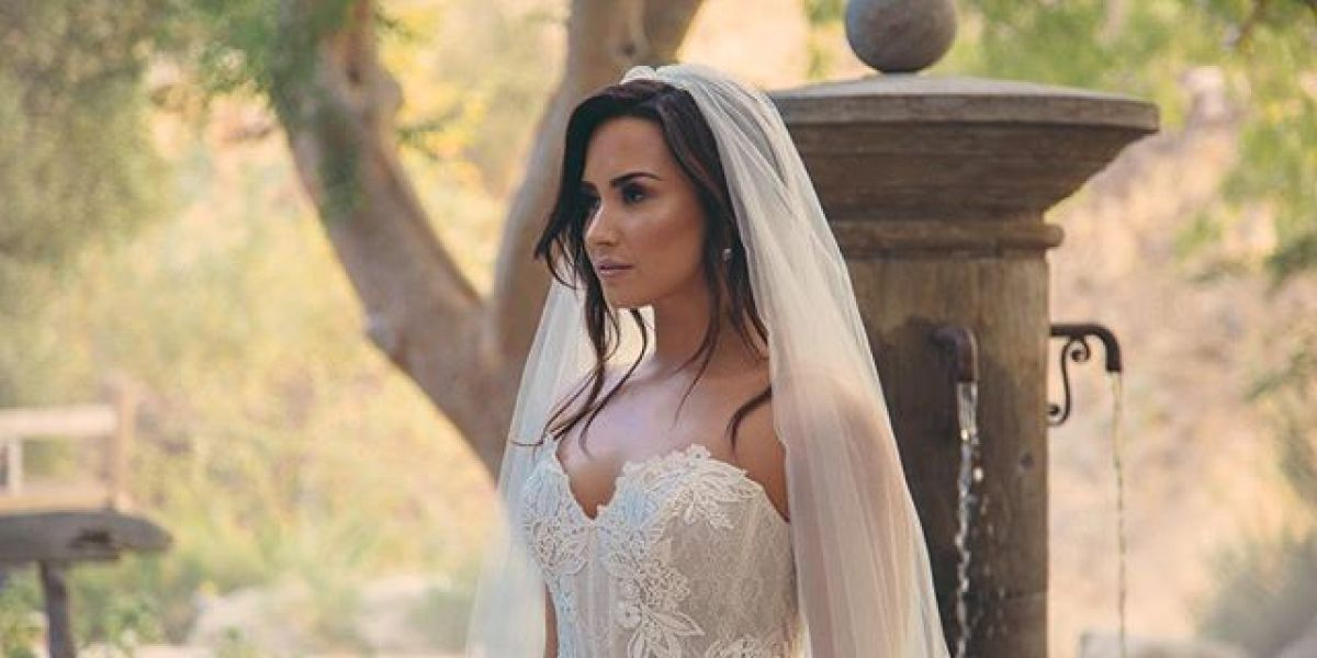 Demi Lovato se viste de novia para Jesse Williams
