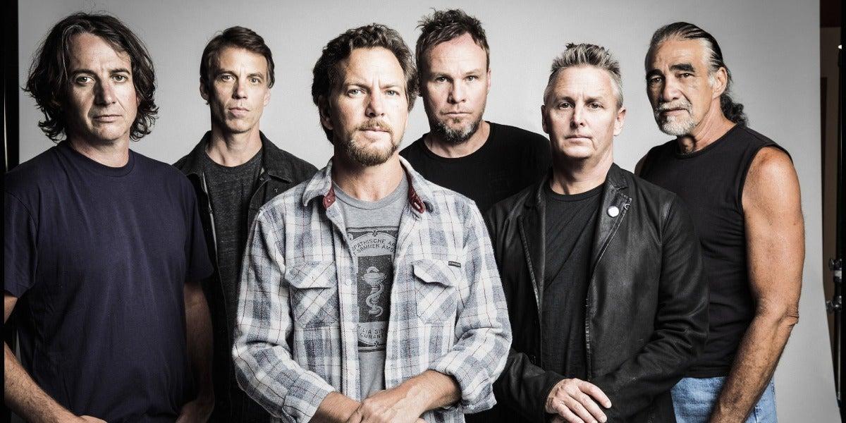 """Pearl Jam arremete contra Donald Trump en """"Can't Deny Me"""""""