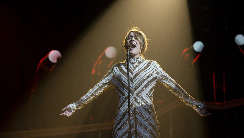 Amaia Romero canta 'Shake It Out'