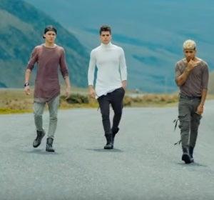 CNCO en el vídeo de 'Mamita'