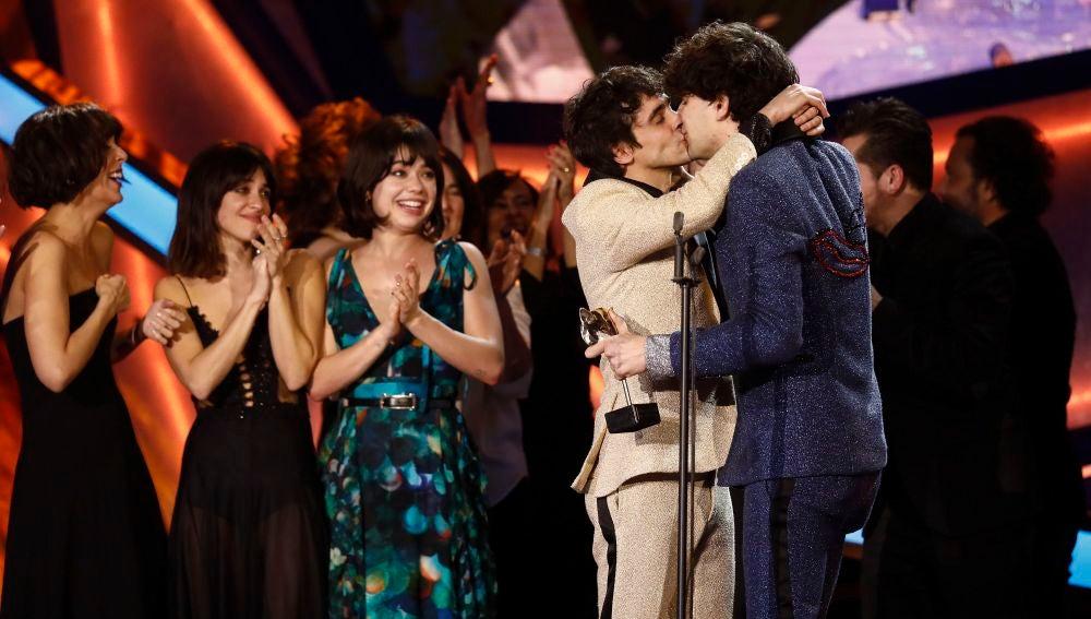 El beso de película de Javier Calvo y Javier Ambrossi