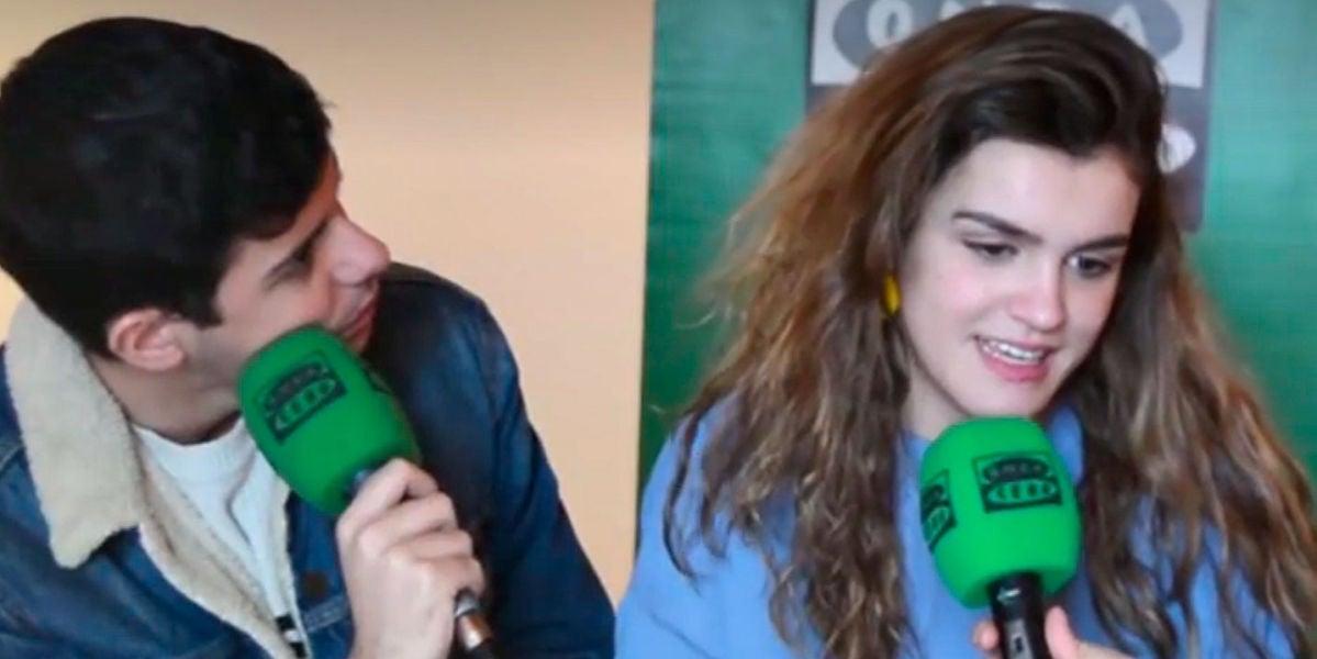 Amaia y Alfred en una entrevista para Onda Cero Navarra