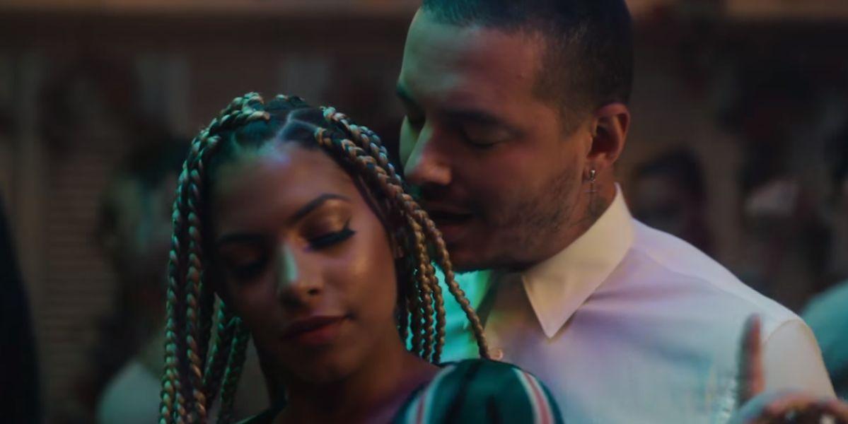 J Balvin en el videoclip de 'Ahora'