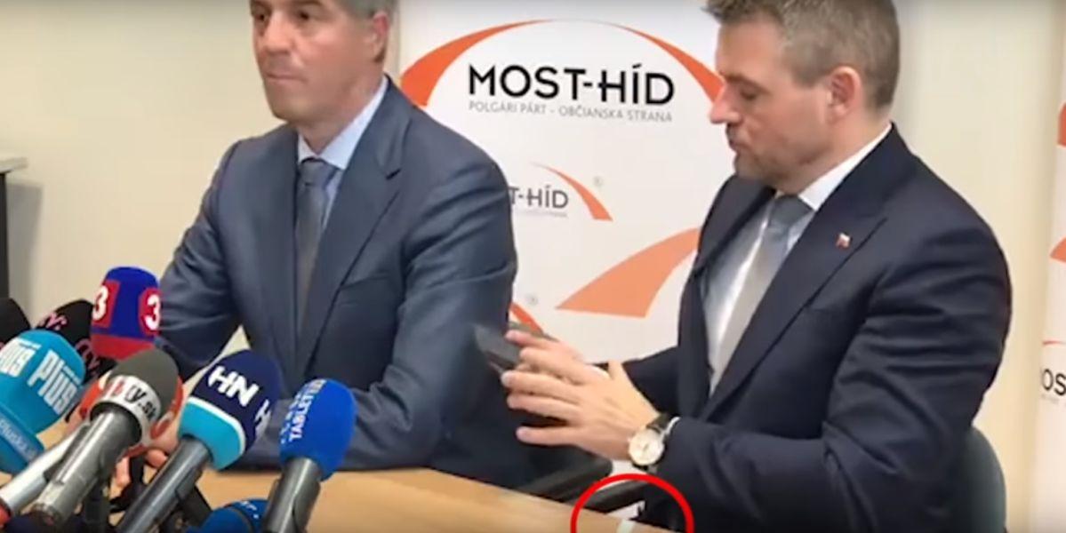 Al primer ministro de Eslovaquia se le cae una sospechosa papelina durante una entrevista
