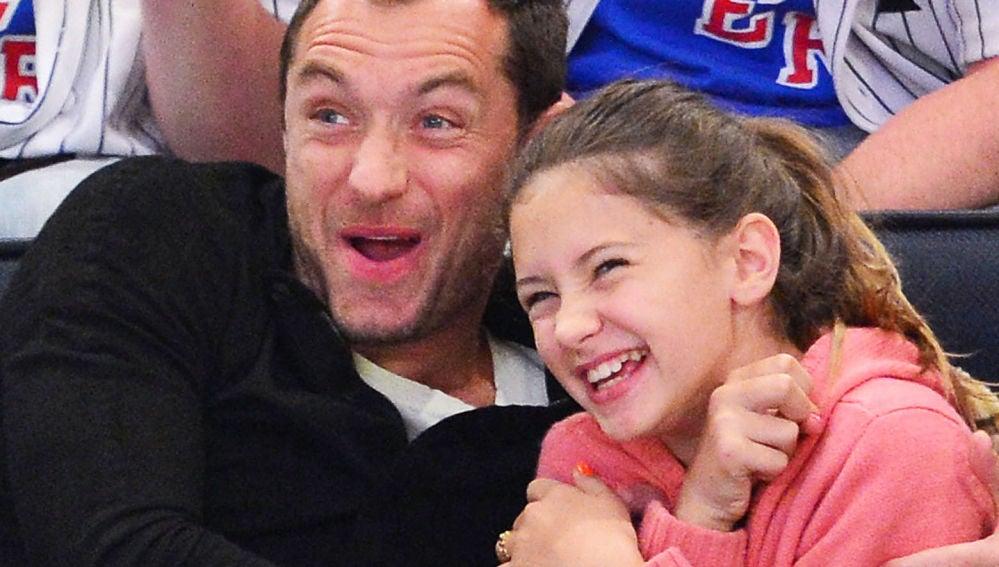Jude Law con su hija Iris