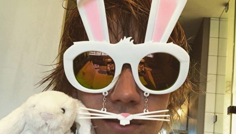 Justin Bieber disfrazado de conejito