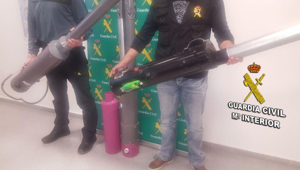 La Guardia Civil detiene a un hombre en Vigo por fabricar y vender 'lanzapatatas'