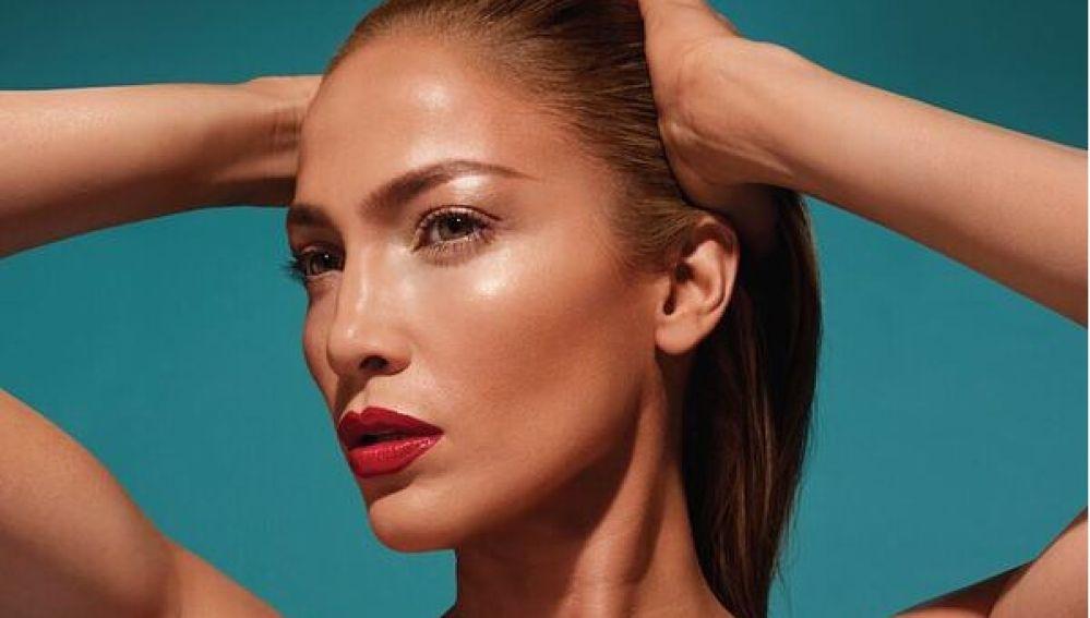 Jennifer Lopez se lanza al mundo de la cosmética con su primera colección de maquillaje