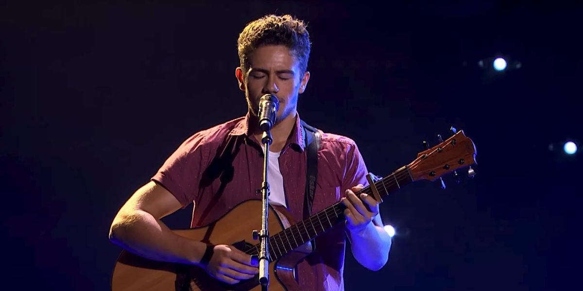 Oskar Proy cantando 'Asturias Patria Querida'