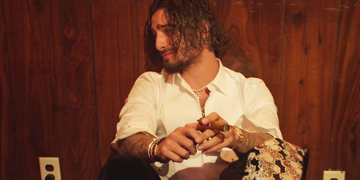 Maluma llorando en su vídeo 'Marinero'