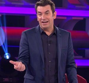 Arturo Valls y un concursante sorprenden al público a ritmo de salsa