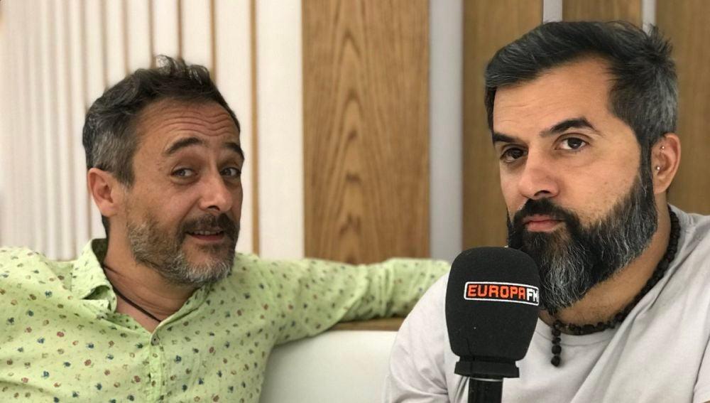 Santi Balmes y Julián Saldariaga en Europa FM
