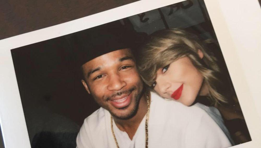 Toshi y Taylor Swift