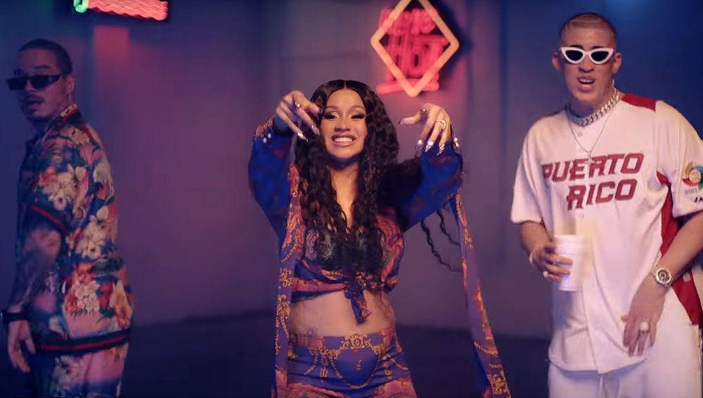 J Balvin, Cardi B y Bad Bunny en el videoclip de 'I Like It'
