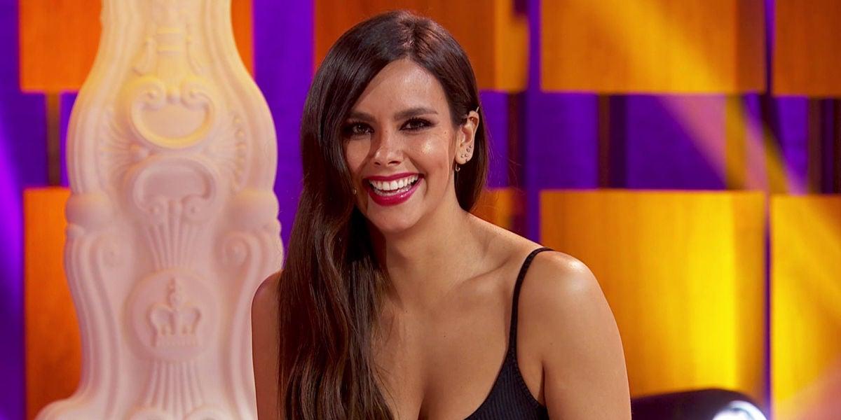 """Cristina Pedroche engaña a Miki Nadal en 'La noche de Rober': """"¿Te has revisado la próstata?"""""""