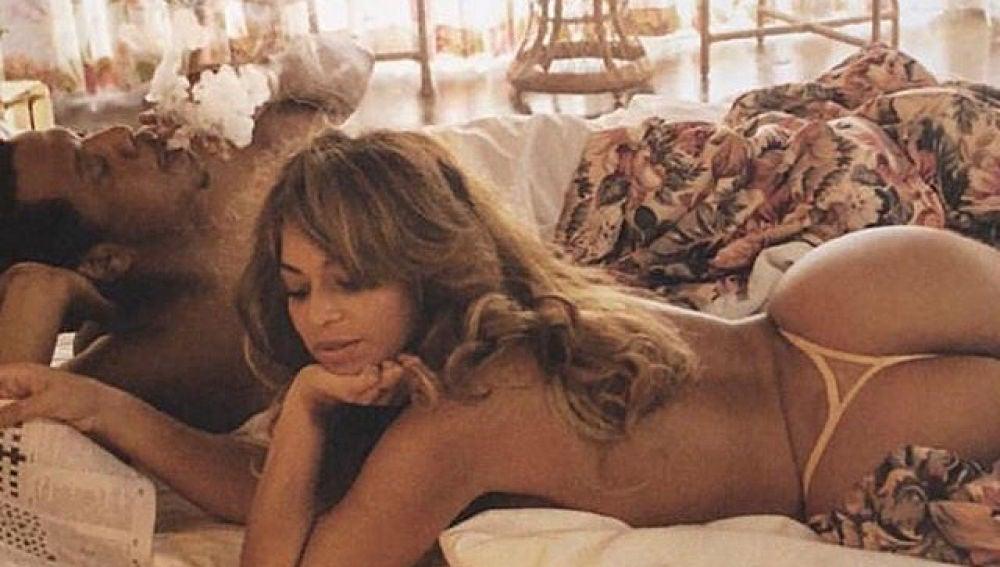 Jay Z y Beyoncé en la cama