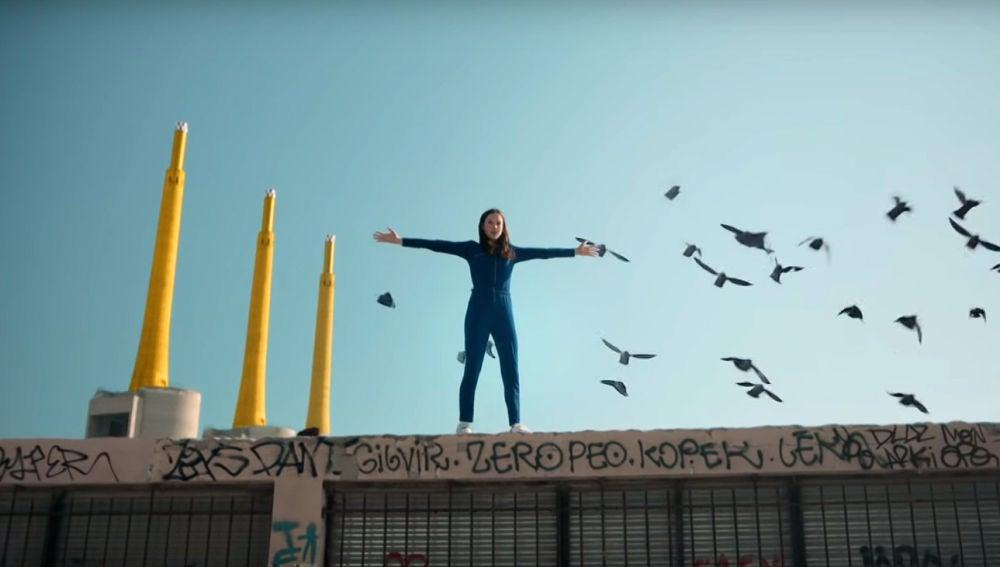 Jain en el vídeo de 'Alright'