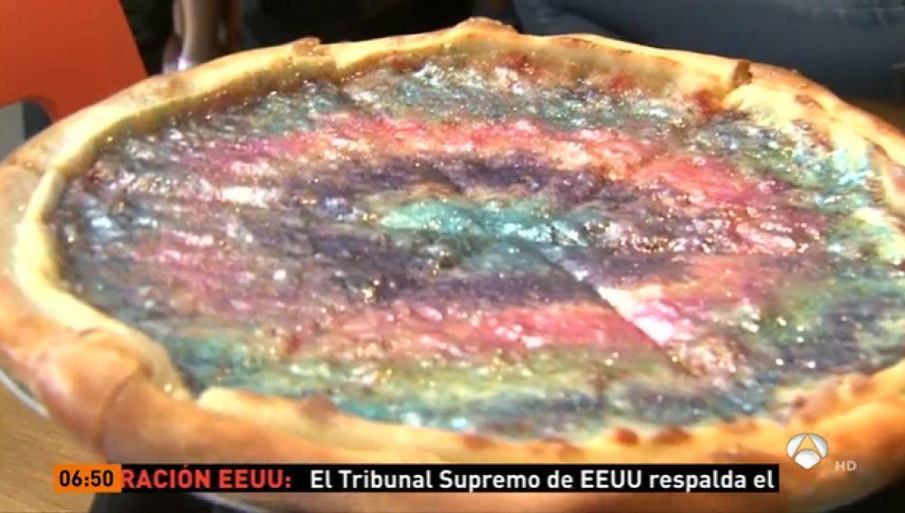 Pizza con purpurina: el plato estrella de un restaurante de Santa Mónica (EEUU)