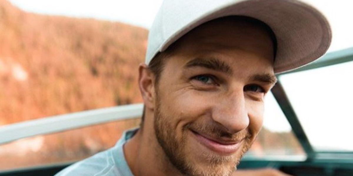Mueren tres 'youtubers' en Canadá al precipitarse por una cascada