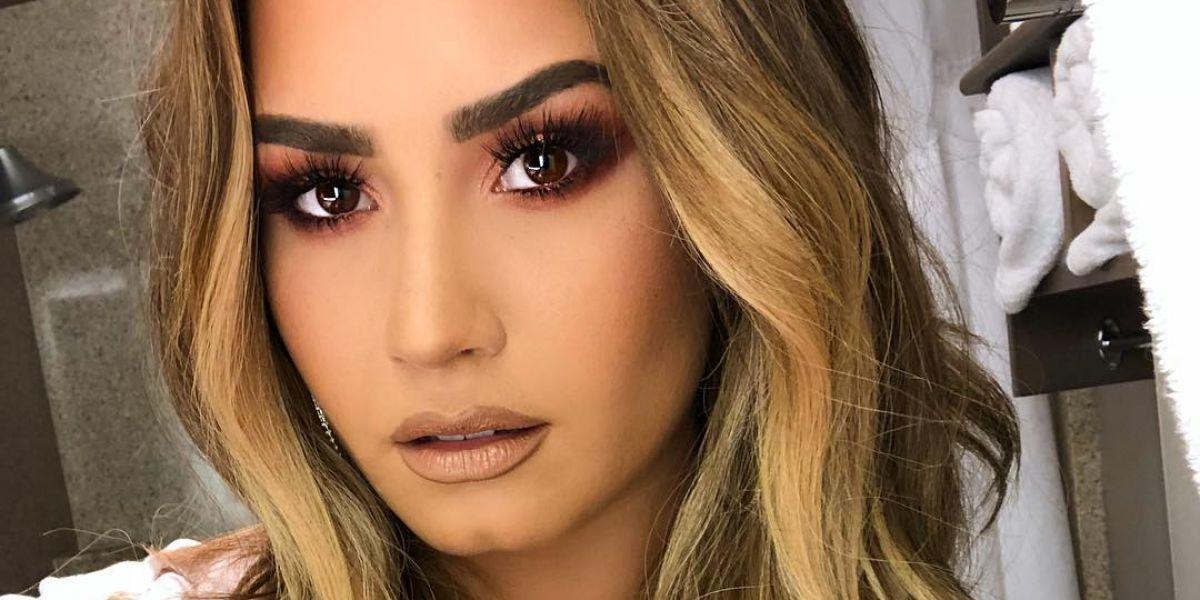 Reaparece Demi Lovato tras su hospitalización por sobredosis