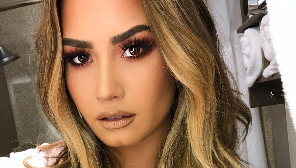 Demi Lovato en Instagram, luciendo melena rubia